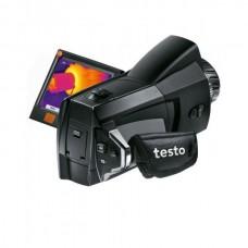 Тепловизор < 80 мК с откидным поворотным дисплеем в комплекте с дополнительными принадлежностями Testo 876